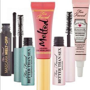 Two Faced 5 piece Travel Bundle Lipstick Mascara